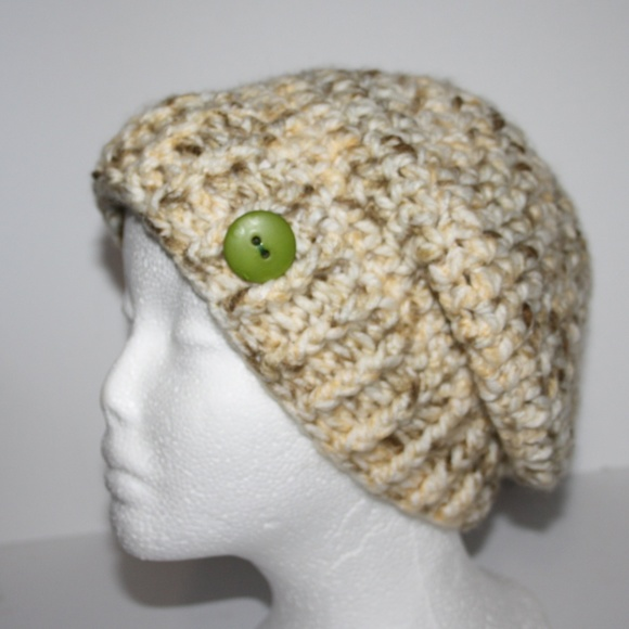 ab85d5e23 Fluffy cream and tan NWOT Winter beanie hat Boutique